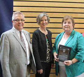 2017 Alumni Teacher Award – Congratulations Bonnie Sutherland