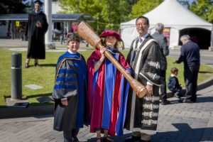 University mace carrier Dr. Lori Miller, TEO (M), with Dr. Pam Ratner (L), Vice-Provost and Associate Vice-President, Enrolment & Academic Facilities, and Professor Santa Ono (R), President & Vice-Chancellor.